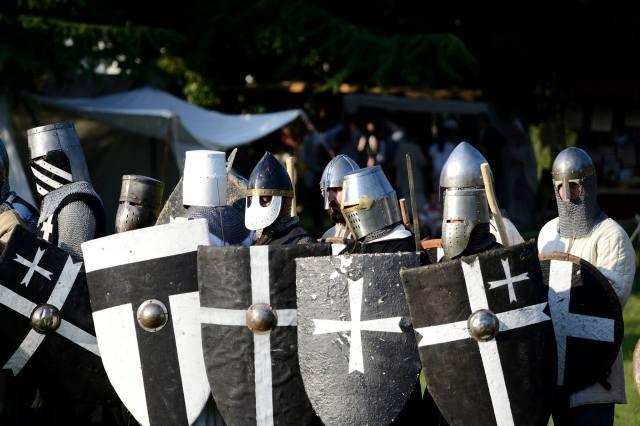 Compagnia d'arme Cavalieri di San Giovanni nella terra di ezzelino 2016.jpg