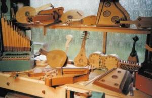 liutaio medioevale a san zenone degli ezzelini - strumenti musicali